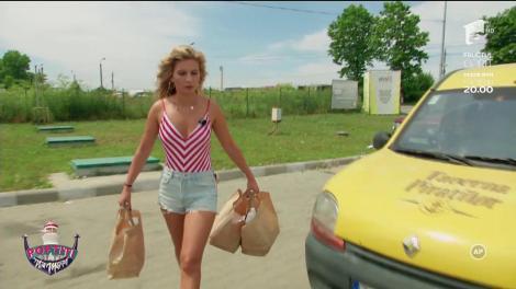 """Haos la volan! Raluka și Ana Baniciu au plecat să facă delivery: """"Mașina asta este terminată"""""""