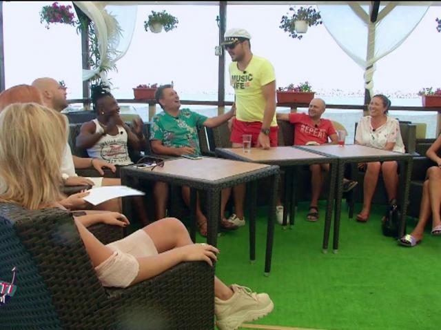 Raluka a câștigat premiul de 2.000 de euro pus în joc de Nea Marin