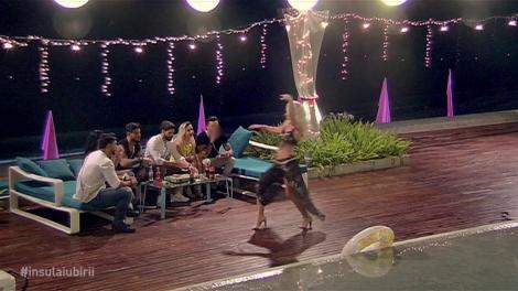 """Hannelore, dans provocator în fața ispitelor masculine: """"Am făcut ceea ce am simțit"""""""