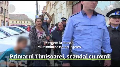A fost scandal la Timişoara. Primarul Nicolae Robu a mers în inspecţie în Centrul Vechi al oraşului, la imobilele ocupate abuziv de romi