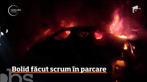 Imagini surprinzătoare filmate în Cluj-Napoca! Un autoturism de lux a ars ca o torţă, în parcarea unui bloc