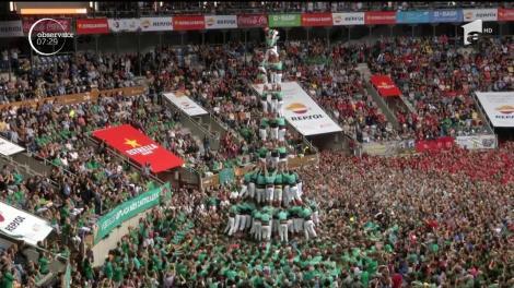 """42 de echipe din diferite părţi ale Cataloniei s-au întrecut în clădirea aşa-numitelor """"turnuri umane"""" sau """"castele"""", cum le spun localnicii"""