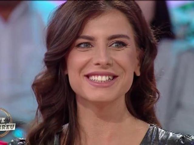 Cristina, cea de-a treia concurentă pregătită să dea totul pentru burlacul Laurențiu