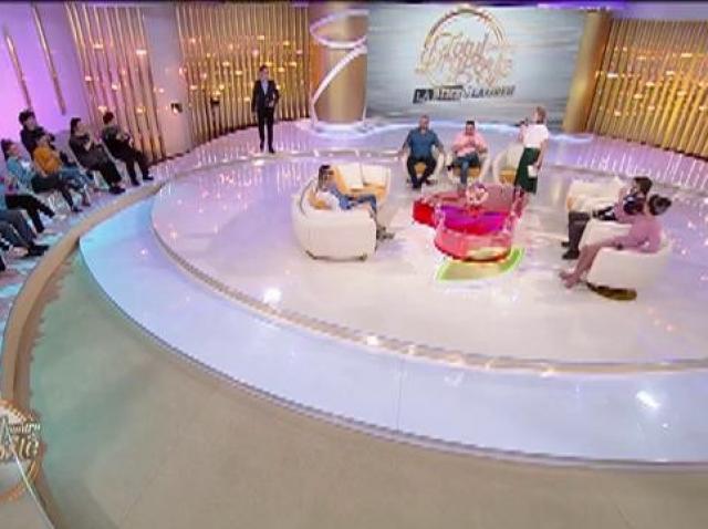 Gabriela și Narcis se pregătesc de nuntă și au venit să pună mâna pe marele premiu al competiției