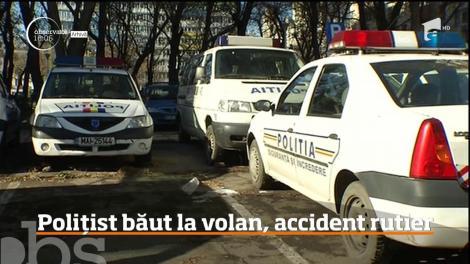 Un poliţist din Suceava a fost reţinut, după ce s-a urcat băut la volan, a provocat un accident, după care şi-a lovit un coleg