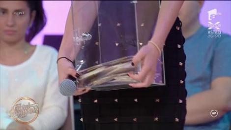 Laurențiu a ales-o pe Cristina! Burlacul a câștigat 5000 de euro