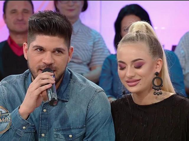 Francesca şi Adrian formează un cuplu pe scenă, dar şi acasă!