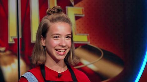 """Ioana Dina vrea să fie primul copil care intră într-o echipă la Chefi la cuţite: """"Vreau să gătesc alături de chef Dumitrescu"""""""