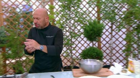 """Chefii gătesc găluște, la proba """"Amuletei"""". Câştigătorul va putea anula orice altă amuleta la una dintre probe!"""