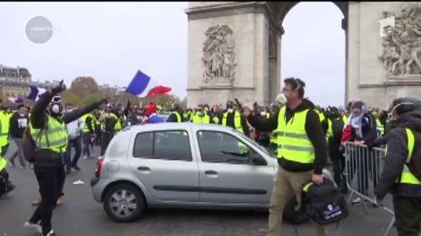 Macron dă înapoi. Carburanții nu se scumpesc în Franţa