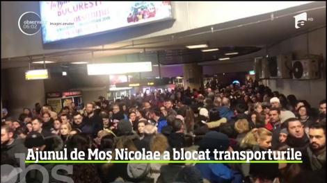 Ajunul sărbătorii de Moş Nicolae a umplut magazinele şi, implicit, a blocat traficul în Capitală