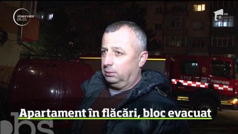 Momente de panică într-un bloc din Suceava după ce un incendiu a izbucnit într-un apartament aflat la parterul clădirii