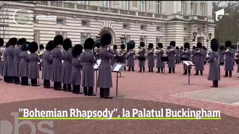 """Celebra piesa Queen, """"Bohemian Rhapsody"""", a răsunat în curtea Palatului Buckingham"""