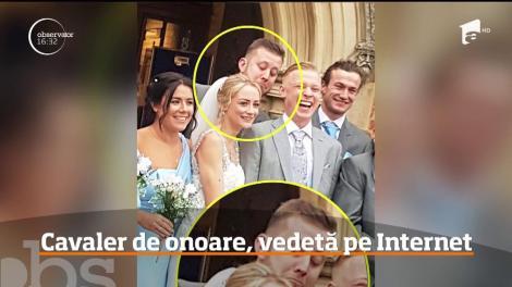 Ups! Un cavaler de onoare a devenit celebru pe internet. Ce făcea în spatele miresei, chiar la ieșirea din biserică – VIDEO