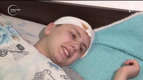 Fata de 18 ani, care a căzut prin geamul unui autobuz din Ploieşti, este imobilizată la pat. Pentru coșmarul Alinei nu s-au găsit vinovați