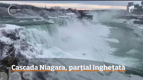 Imagini spectaculoase vin de peste Ocean. Cascada Niagara a îngheţat parţial, iar priveliştea este uluitoare
