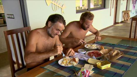 """Sorin și Silviu de la """"Ultimul Trib"""", momente de neuitat la vila de lux: """"Oceanul să fie mândru că luăm micul dejun în fața lui!"""""""
