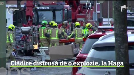 Zece oameni au fost răniţi într-o puternică explozie care a distrus parţial un bloc de locuinţe din oraşul olandez Haga