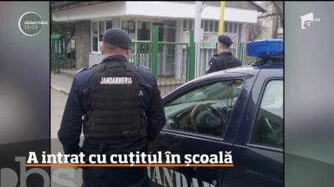 Un bărbat a intrat înarmat cu un cuţit într-un colegiu din Ploieşti