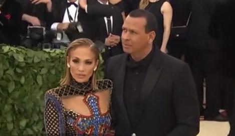La doar o zi de la anunţul logodnei, Alex Rodriguez este acuzat că a înşelat-o pe Jennifer Lopez!