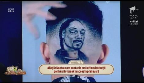"""Un tânăr s-a dus la frizer și a trăit un adevărat șoc când s-a privit în oglindă! Ce """"chip"""" i-a apărut pe cap"""