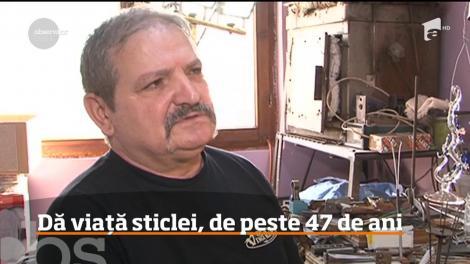 În judeţul Mureş, trăieşte unul dintre ultimii mari meşteri sticlari din România!
