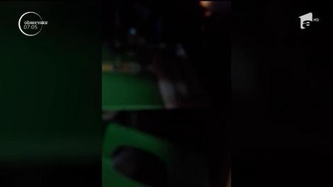 Video. A lovit cu mașina un om și s-a întors în bar să mai bea un pahar. Șoferița din Târgu-Jiu n-a putut vorbi din cauza beției