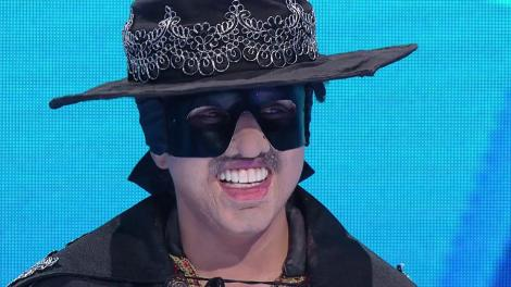 Zorro cântă senzațional piesa Veta. Cine se află în spatele măștii
