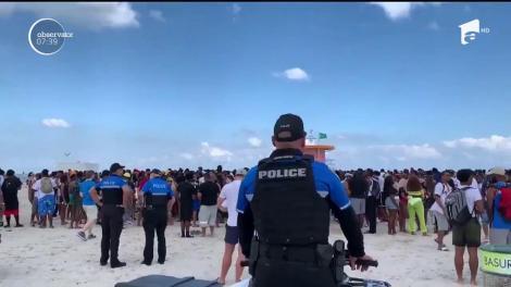 La Miami, poliţia a dat buzna pe plajă. Nu la soare, distracţie şi bronz, ci ca să aibă grijă de tineri