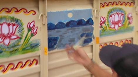 """Concurenții de la """"Asia Express"""" au fost puși să deseneze! CRBL, în culmea fericirii: """"La banii ăștia mă apuc de pictat camioane prin India!"""""""