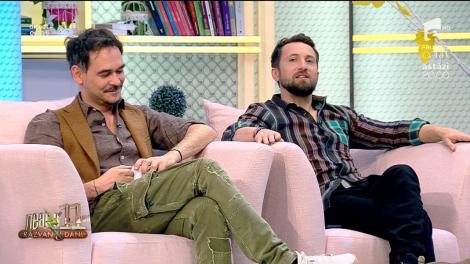 Răzvan Simion, extrem de bine îmbrăcat și frezat! Dani Oțil: De ce ți-ai dat cu parfum dublu, te vezi și cu altă televiziune, mai ai și alt matinal?