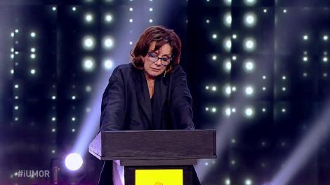 Roast-ul Deliei. Carmen Tănase: Am auzit că Delia merge la vernisaje... tot pateuri dau?