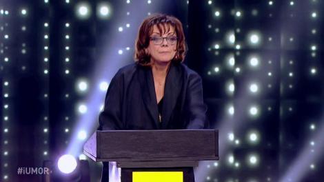"""Carmen Tănase, roast """"acid"""" la iUmor:  Delia, ești în primele trei cele mai mari cântărețe pop.... de la tine din familie"""