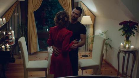 Alex și Sonia, cină romantică: Îmi acorzi acest dans?