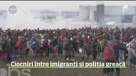 Ciocniri între imigranți și poliția greacă