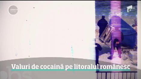 Cocaina curge în continuare în valuri la malul mării! Peste 150 de kilograme de droguri extrem de periculoase au recuperat poliţiştii