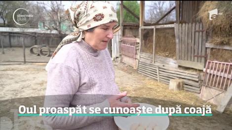 Direct din cuibar, dar fără termen de garanţie. În apropierea Paştelui, românii caută în pieţe ouă de ţară. Sunt mai sănătoase, dar nu se ştie cât de vechi