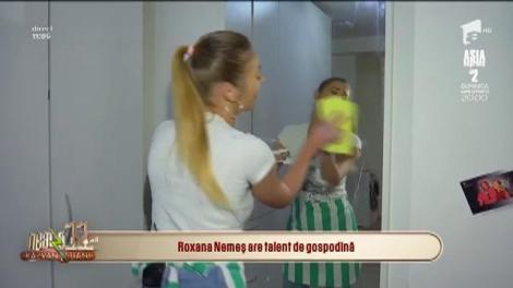 """Roxana Nemeș are talent de gospodină: """"După curățenia asta și prafului o să-i fie drag să stea la mine casă!"""""""