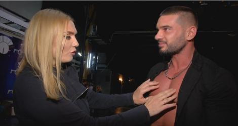 Scena Misterelor - Extra Show. Dorian Popa se dezbracă la cererea Cristinei Cioran: Hai, arată tot! Mă dezbrac și eu!