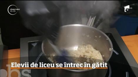 Peste 40 de elevi de liceu se întrec la un concurs gastronomic, în Sibiu