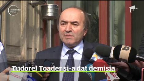 Tudorel Toader şi-a dat demisia din funcţia de ministru al Justiţiei