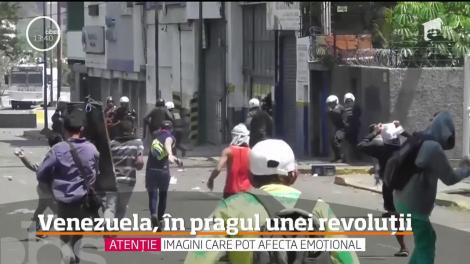 Sunt scene de război civil, în ultimele ore, pe străzile din Venezuela