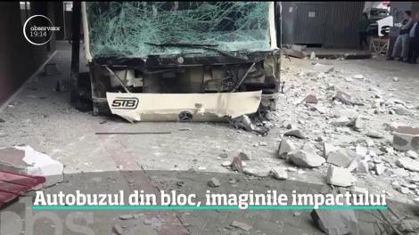Imagini şocante cu autobuzul care a lovit mai multe maşini şi s-a oprit într-un bloc din sectorul şase al Capitalei