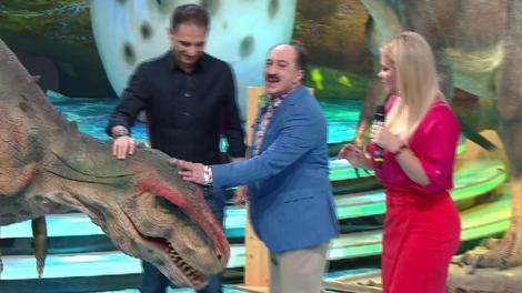 Demascarea Dinozaurul. Vedeta din spatele măștii este un cunoscut prezentator TV