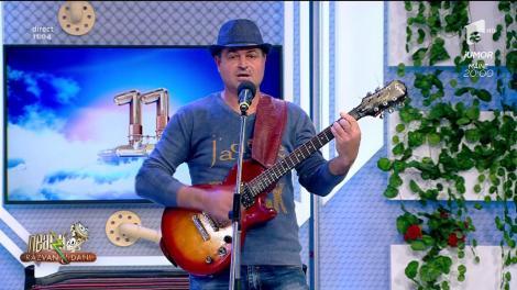 Mihai Marin cântă, la Neatza cu Răzvan și Dani, melodia Aș vrea să-mi spui