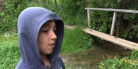 El este Emi, băieţelul din Vaslui care și-a scos surorile din casa în flăcări. A mai salvat un copil de la înec