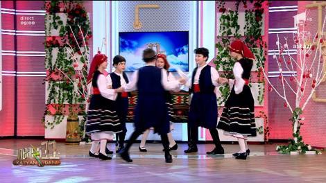 Ansamblul Mini Elpis din Constanța, dans pe muzică grecească la Neatza