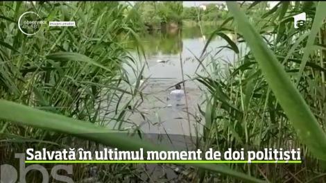 O femeie, căzută în lacul Fundeni, a fost salvată în ultimul moment de doi polițiști