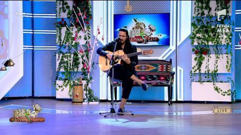 Lucas Molina cântă, LIVE la Neatza cu Răzvan și Dani, melodia Pară que nada nos separe