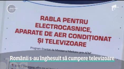 Românii s-au bătut pe electrocasnice online